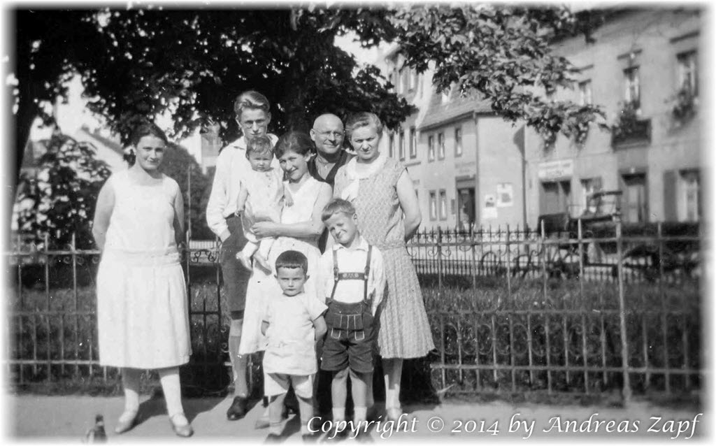 Image 01 - Family Zapf in Oschatz (1930)