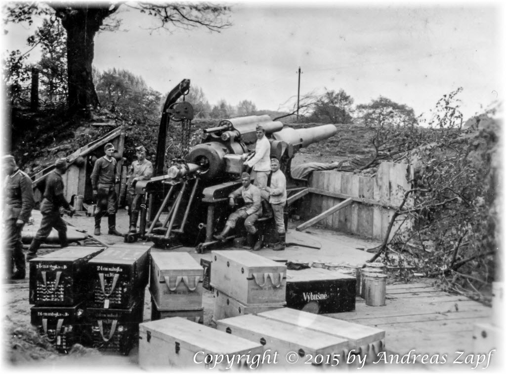 Image 04 - Gun position, ready to fire